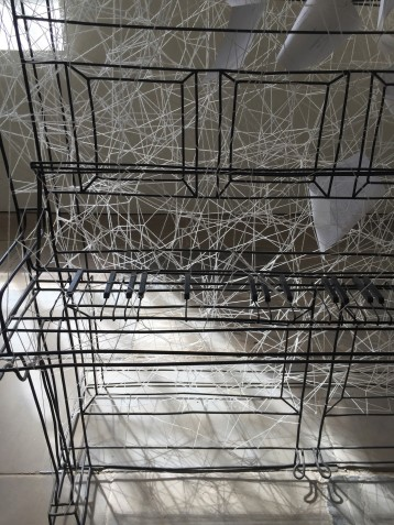 Chiharu Shiota. Beyond Time, wire piano