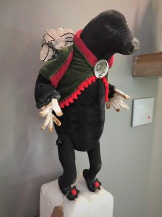 Mister Finch. Mole